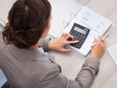 How to manage small business bookkeeping